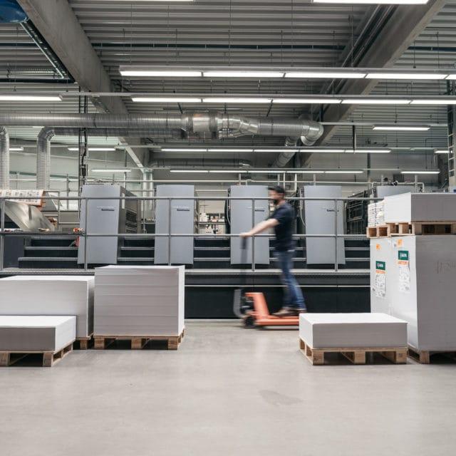 Lagerhalle verschiedene Papierformate in der von Stern'sche Druckerei Lüneburg