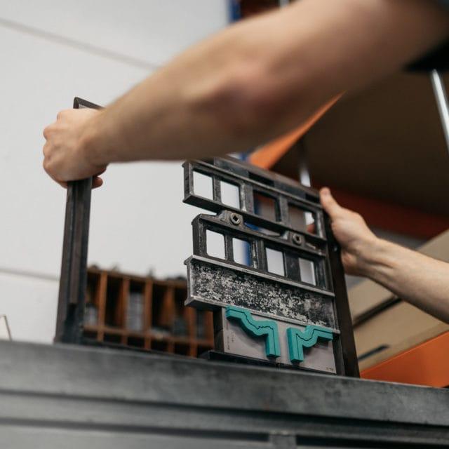 Von Stern'sche Druckerei veredelt individuell Druckerzeugnisse Durch Falzung, besondere Papiere oder Bindung